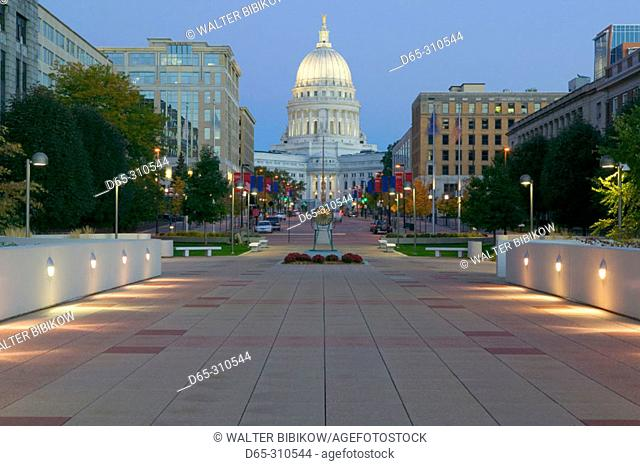 Wisconsin State Capitol Building, exterior in early morning from Monona Terrace. Madison. Wisconsin, USA