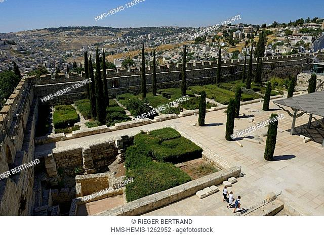 Israel, Jerusalem, holy city, the old town listed as World Heritage by UNESCO, Davidson Center, the city walls dating from the time Suleiman the Magnificent...