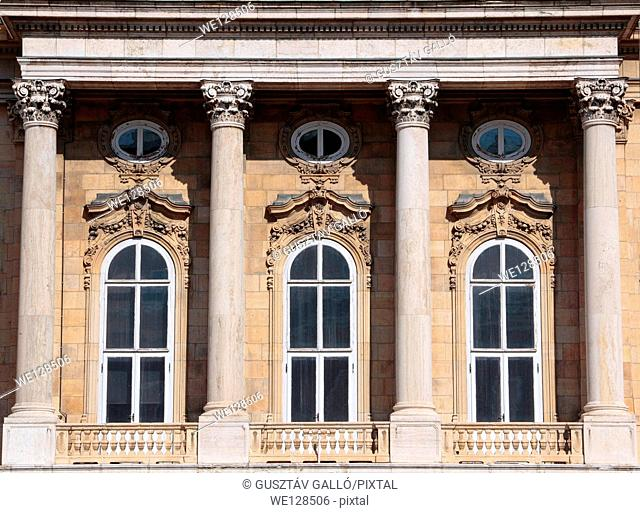 Renaissance style windows with columns in the Buda Castle