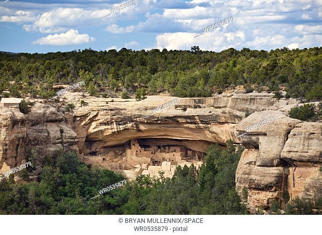 Native American Cliff Dwellings