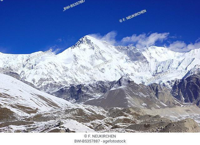 Cho Oyu view from 4. lake near Gokyo, Nepal, Himalaya, Khumbu Himal