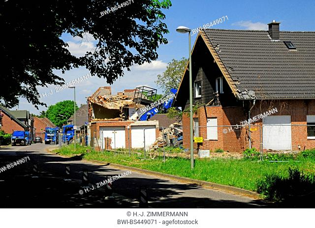 demolition of abandoned houses in the ghost town Immerath, Germany, North Rhine-Westphalia, Immerath