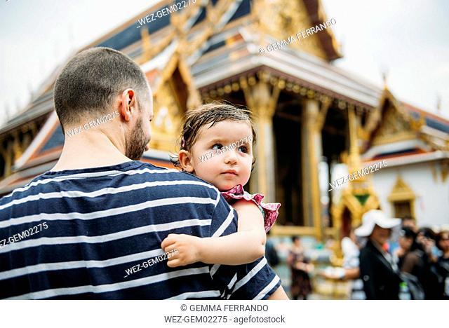 Thailand, Bangkok, Father and daughter visiting the Grand Palace