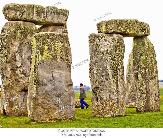 Stonehenge, Neolithic and Bronze Age, prehistoric monument, standing stones, UNESCO World Heritage Site, Wiltshire, England, UK, United Kingdom, Europe