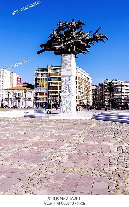 Turkey, Izmir, Aegean Region, Cumhuriyet Square, Atatuerk Memorial