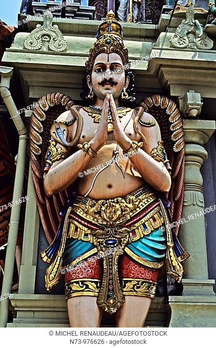 Singapour, Chinatown, temple hindou Sri Mariamman, Situé au coeur du quartier chinois, Sri Mariamman est un temple dravidien vieux de plus d'un siècle...