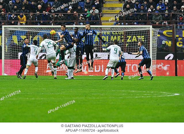 2016 Serie A League Inter Milan v US Sassuolo Calcio Jan 10th. 10.01.2016. Milan, Italy.  Berardi (sass) with the free kick on goal as a melee take splace in...