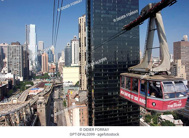 THE CABLE CAR TO ROOSEVELT ISLAND, EAST RIVER, MANHATTAN, NEW YORK CITY, UNITED STATES OF AMERICA, USA
