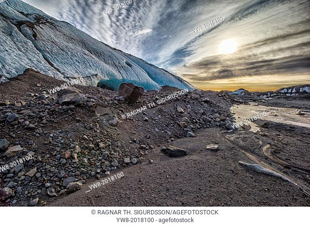 River bed, and moraines, Fallsjokull Glacier, Vatnajokull Ice Cap, Iceland