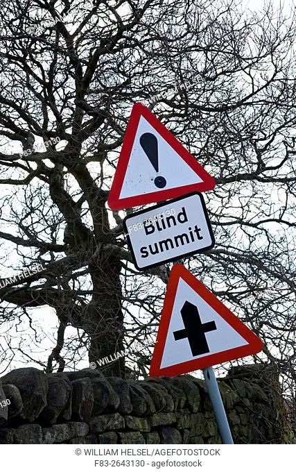 Blind Summit sign beside country road, Derbyshire, England, winter