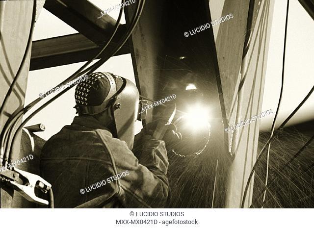 Air arc cutting of steel plate