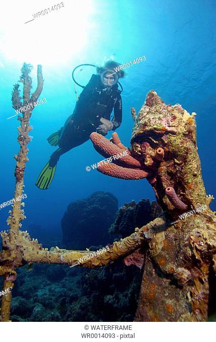 Diver and Neptun Statue, Caribbean Sea, Netherland Antilles, Curacao