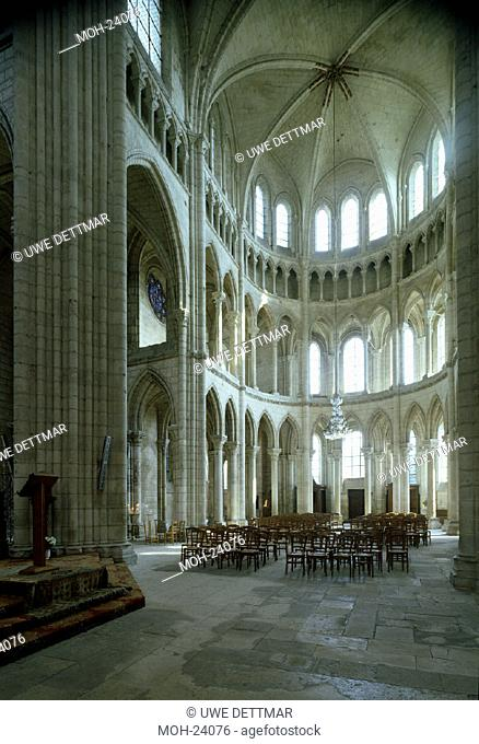Soissons, Kathedrale/ Blick in den Chor
