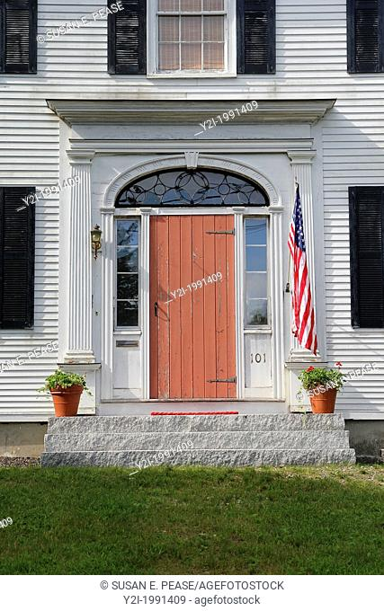 The front door of an old home in Thoaston, Maine