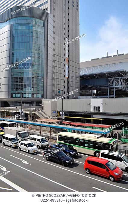 Osaka (Japan): modern architecture by the City Bus Terminal
