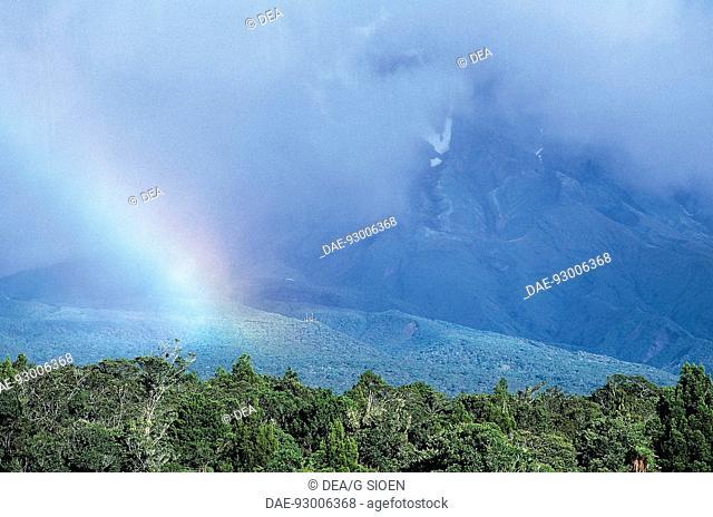 New Zealand - North Island - New Plymouth - Rainbow on Egmont Volcano