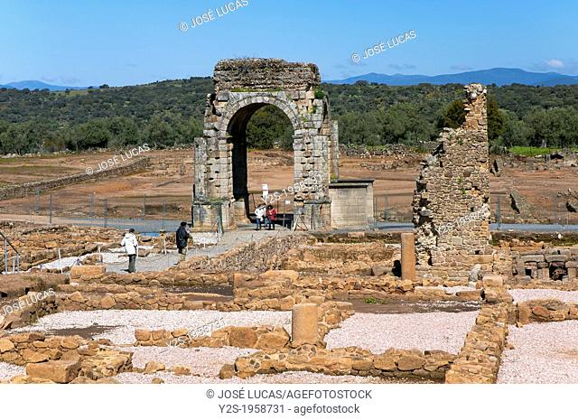 Roman ruins of Caparra with Arch Cuadrifronte and terms, Guijo de Granadilla, Caceres-province, Spain