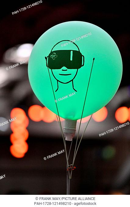 A balloon with a printed virtual reality headset on it at the fair Ideen Expo, Germany, city of Hannover, 18. June 2019. Photo: Frank May   usage worldwide