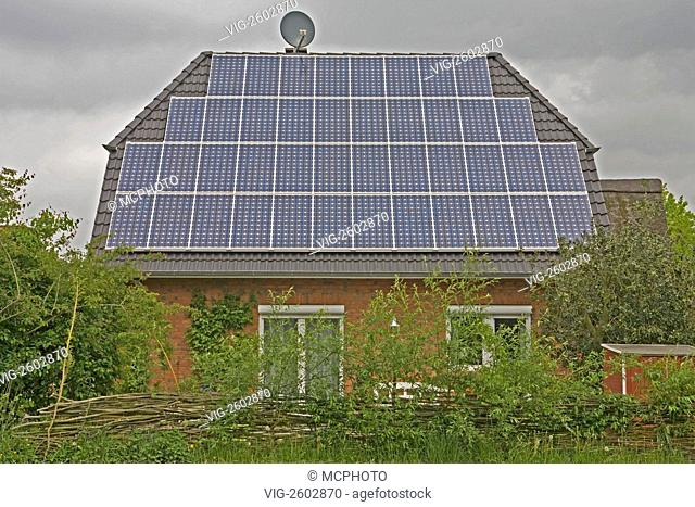 House with Photovoltaik plant - 01/01/2011