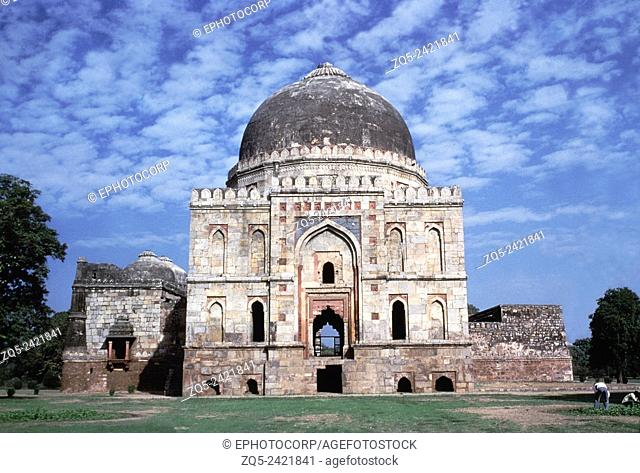 Bara Gumbad complex. Jami Mosque of Sikander Lodi. View from the north. Dated: Lodi period, 1494 A.D. Delhi, India