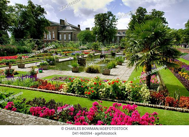 Europe, UK, england, London, Kensington Palace sunken garden