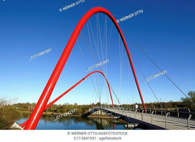 Germany, Gelsenkirchen, Ruhr area, Westphalia, North Rhine-Westphalia, NRW, Nordstern Park, former coalmine Nordstern, transverse arch bridge by Stefan Polonyi...