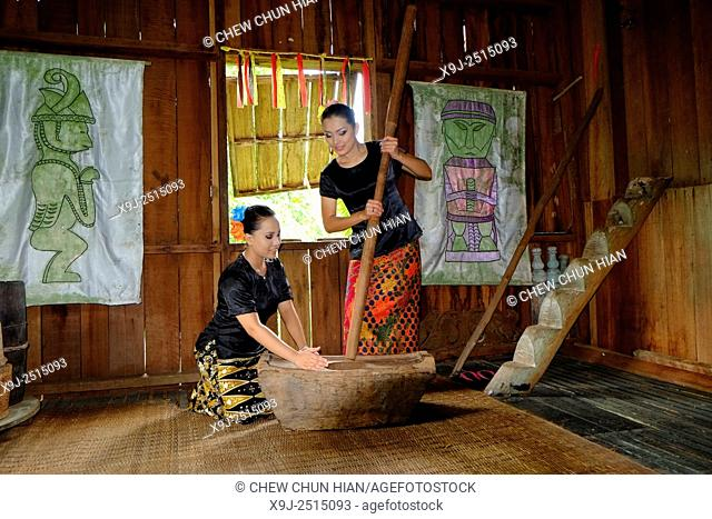 Dancer in traditional costume in the Sarawak Cultural Village, Kuching, Sarawak, malaysia, borneo