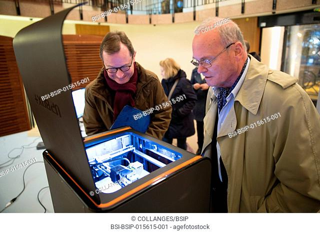 "Reportage on the ""3D Printing Evenings"" organized by Paris' 15th arrondissement city hall. 3D printers are made available free-of-charge enabling inhabitants to..."