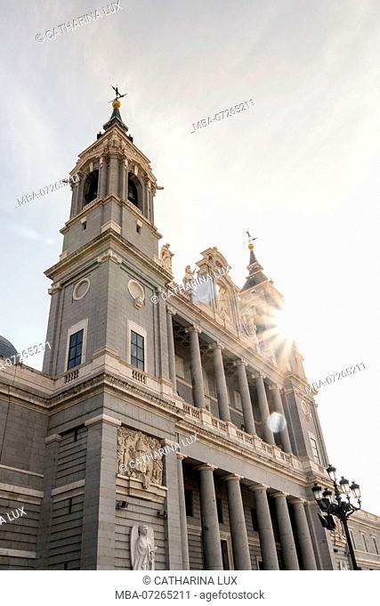 Madrid, Palacio Real, Royal Palace, Plaza de la Armeria, Almudena Cathedral