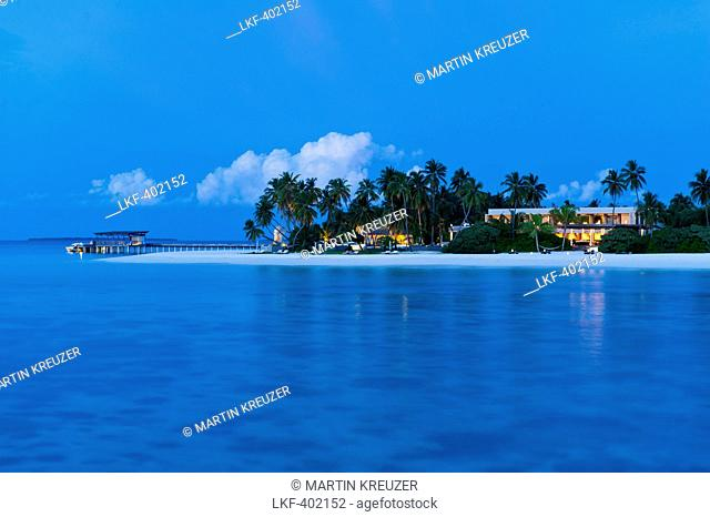 View of island with Park Hyatt Maldives Hadahaa in the evening, Gaafu Alifu Atoll, North Huvadhoo Atoll, Maldives