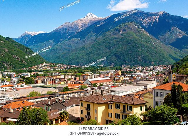 GENERAL SHOT OF THE CITY OF BELLINZONA AND THE MOUNTAINS, BELLINZONA, CANTON OF TICINO, SWITZERLAND