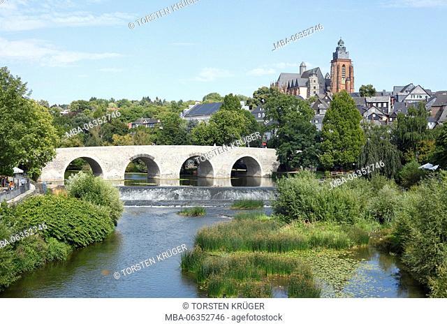 Wetzlarer cathedral, river Lahn, old Lahnbrücke (bridge), Wetzlar, Hessen, Germany, Europe