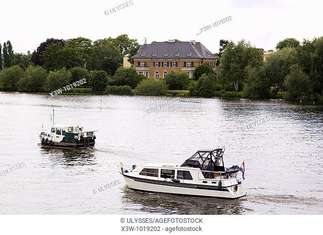 europe, germany, brandenburg, potsdam, tiefer lake, villa kampfmeyer, at the time of the gdr from here the bridge was controlled and here were signed the...