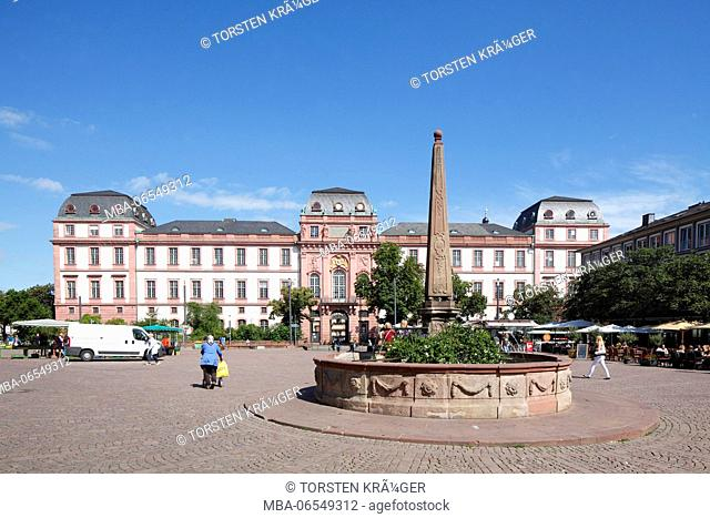 Market square with Darmstadt castle, today part of the University of Technology of Darmstadt, TU Darmstadt, Darmstadt, Hesse, Germany, Europe