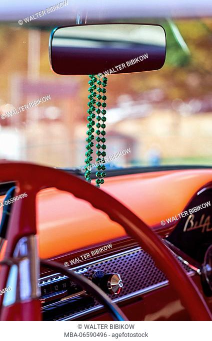 USA, Massachusetts, Cape Ann, Gloucester, classic cars, 1960's-car steering wheel with mirror and beads