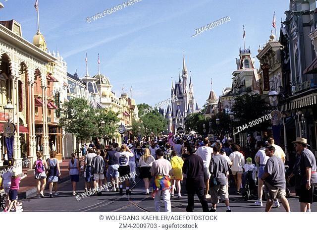 USA, FLORIDA, ORLANDO, DISNEY WORLD, MAGIC KINGDOM, MAIN STREET, WITH CASTLE