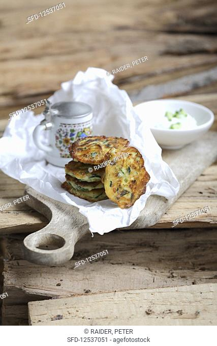 Bavaria meets Greece – courgette fritters