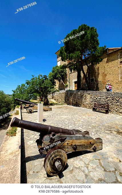 Deià, iglesia y parte alta del pueblo, Mallorca, balearic islands, spain, europe