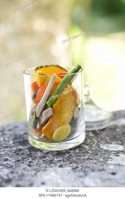 Vegetable crisps in glass