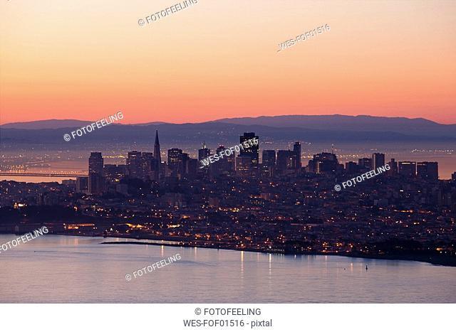 USA, California, San Francisco skyline, break of dawn