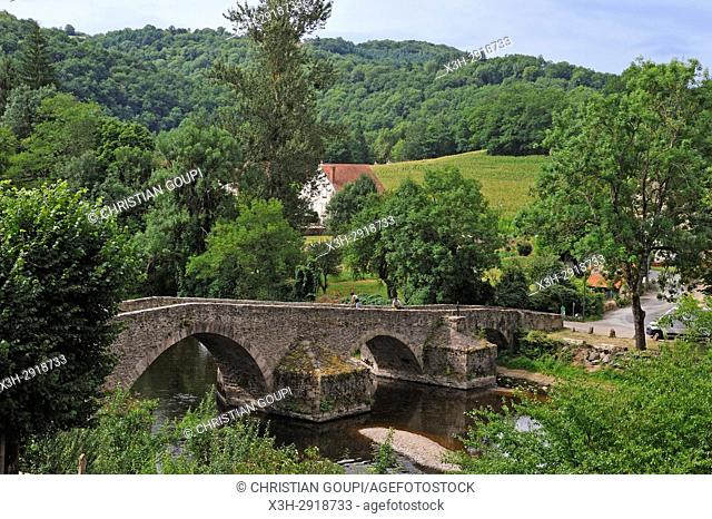 Medieval bridge of Menat across the River Sioule, Puy-de-Dome department, Auvergne-Rhone-Alpes region, France, Europe