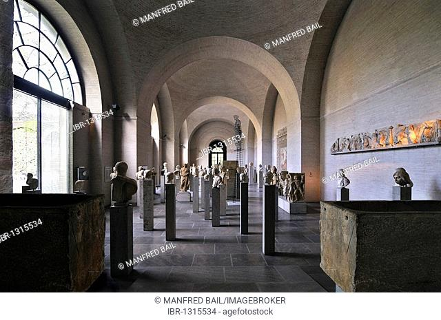 Hall of Roman effigies and Christoph Bergmann's Mythos in Metall, Glyptothek museum, Munich, Bavaria, Germany, Europe