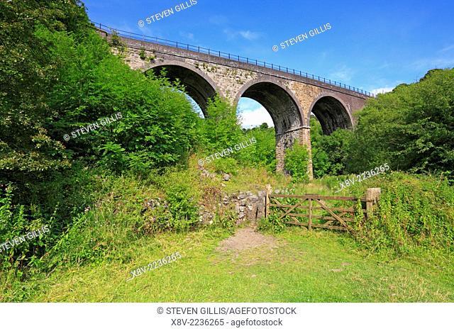 Footpath below Headstone Viaduct and Monsal Trail, Derbyshire, Peak District National Park, England, UK
