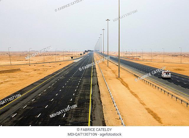 Qatar - Around Fuwairit - Motorway 1 between Fuwairit and Al Ruwais