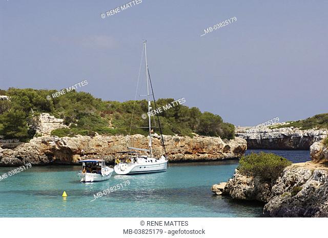 Spain, island Majorca, Cala de Sa Nou,  Coast, bay, boats,   Mediterranean island, , coast region, rock coast, steep coast, sea, sailboat, trip boat, anchoring