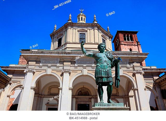 Basilica of San Lorenzo, Chiesa di San Lorenzo Maggiore and statue Constantin, Milan, Lombardy, Italy