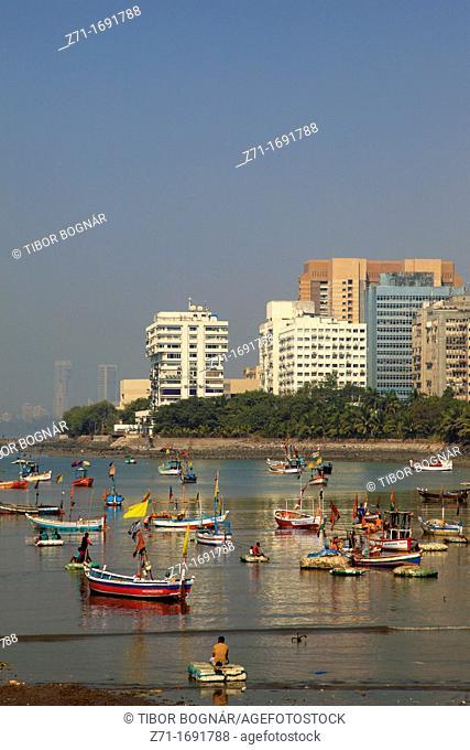 India, Maharashtra, Mumbai, fishing boats, Nariman Point, skyline