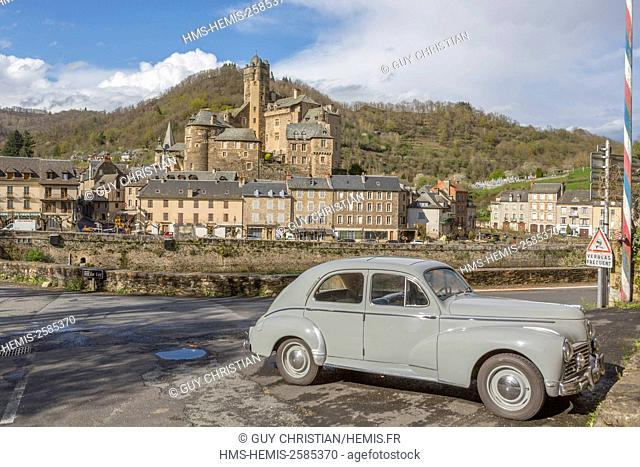 France, Aveyron, Estaing, labelled Les Plus Beaux Villages de France (The most beautiful villages of France), a stop on el Camino de Santiago