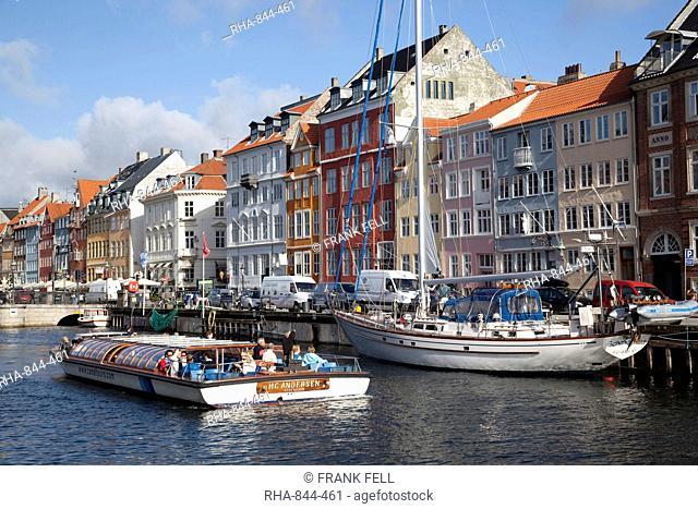 Nyhavn and riverboat, Copenhagen, Denmark, Scandinavia, Europe
