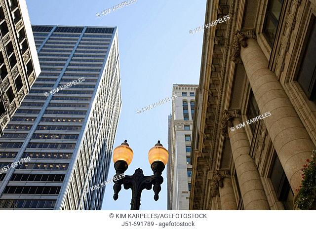 Lamp post between modern and traditional architecture, financial district, LaSalle Street, Chicago  Illinois, USA